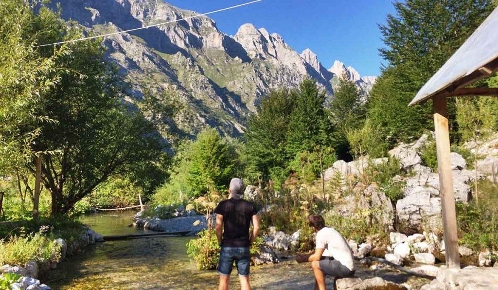 Adrian und Christoph im Albanien Podcast