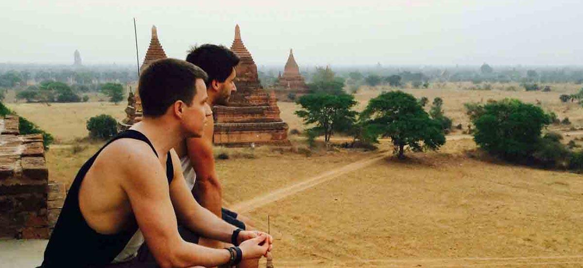 Adrian Klie und Christoph Streicher in Myanmar - Reisepodcast Welttournee
