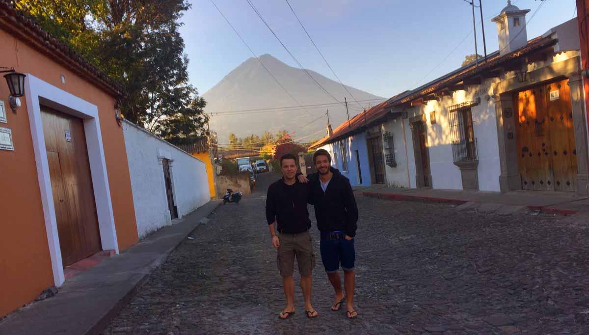 Adrian Klie und Christoph Streicher von Welttournee der Reisepodcast in Guatemala