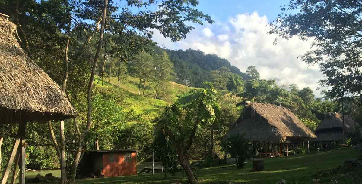 Guatemala Reise - die El Retior Lodge Hostel in Lanquin Welttournee der Reisepodcast