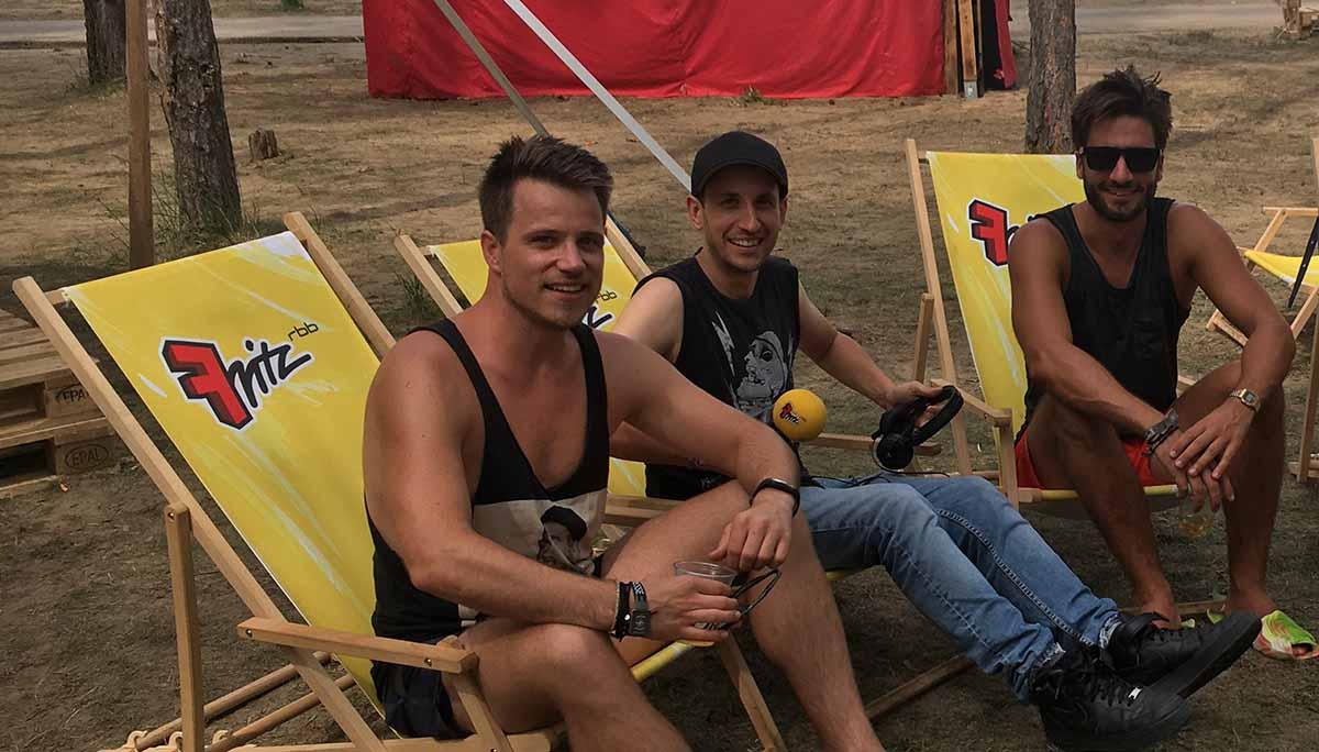 Adrian und Christoph im Reise-Interview mit Chris Guse vom Radiosender Fritz
