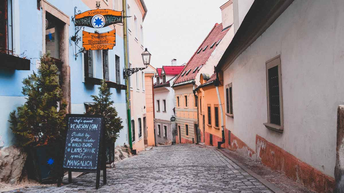 Slowakei-Podcast-Gassen-in-Bratislava.