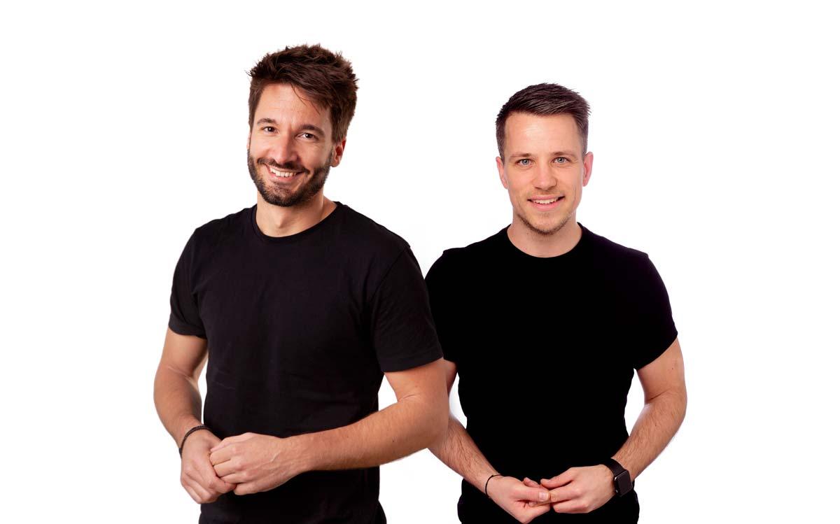 Adrian und Christoph vom Reisepodcast Welttournee