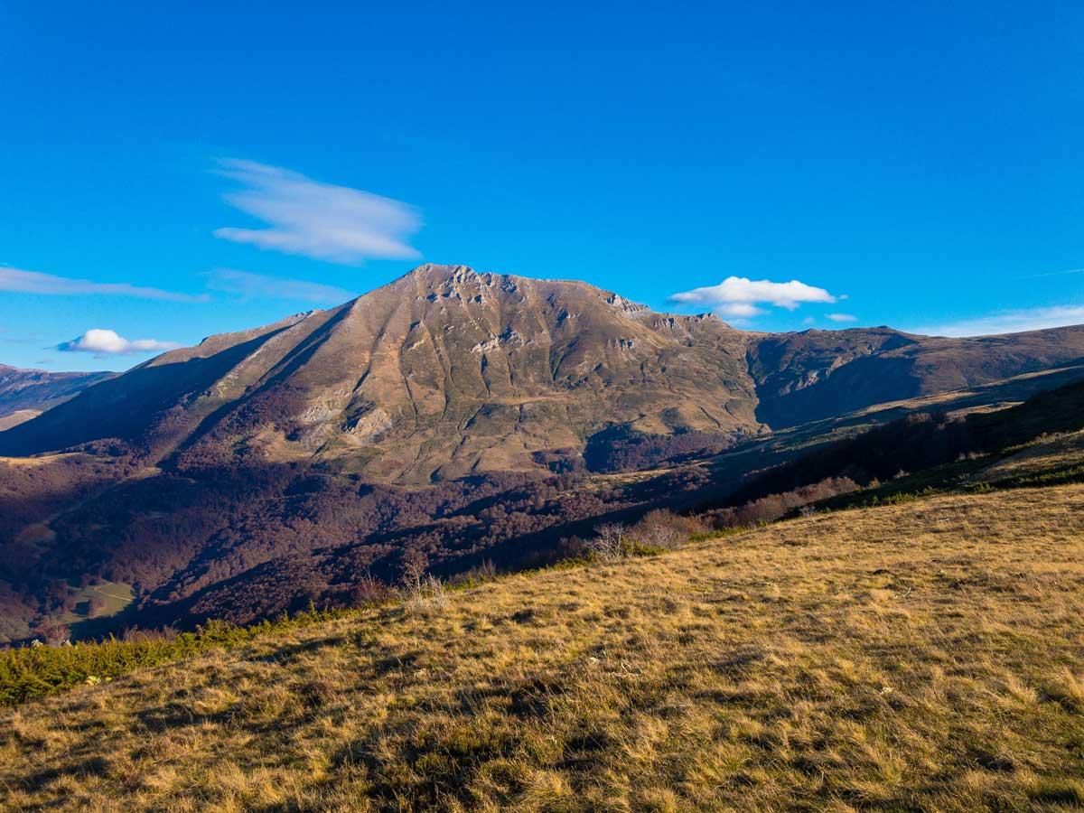 Berge im Süden bei einer Kosovo Reise
